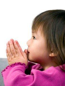 girl-praying-little-asian-girl